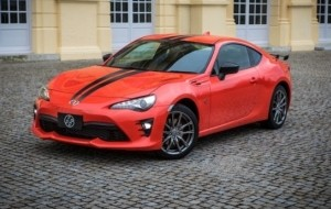 Mobil Pengantin Warna Kinclong Menghiasi Tubuh Toyota 86 Edisi Spesial