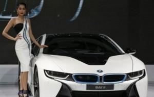 Mobil Pengantin BMW i8 Akhirnya Dijual Rp3,5 Miliar