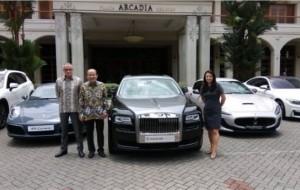 Mobil Pengantin Mau jajal mobil mewah di mall Jakarta?