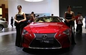 Mobil Pengantin Hanya 2 Persen Orang Indonesia yang Mampu Beli Mobil Mewah