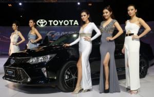 Mobil Pengantin Toyota Camry Facelift Terbaru Hadir di Indonesia