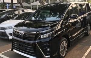 Mobil Pengantin Toyota Voxy Tidak Akan Ganggu Alphard