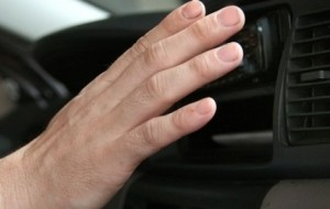 Mobil Pengantin Panas-Macet Pasang AC Paling Dingin, Apa Efeknya?