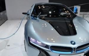 Mobil Pengantin Tindaklanjuti Instruksi Presiden, Menteri ESDM Bakal Jual Baterai Untuk Mobil Listrik di SPBU