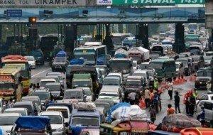 Mobil Pengantin Prediksi Arus Mudik dan Arus Balik Agar Tak Terjebak Macet
