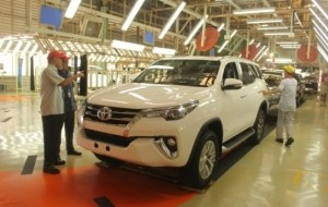 Mobil Pengantin Fortuner Masih Tulang Punggung Ekspor Toyota Indonesia
