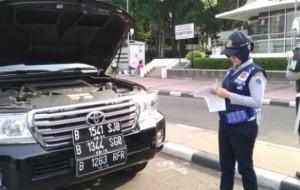 Mobil Pengantin Kakorlantas Minta Pergub Ganjil-Genap Rampung Hari Ini