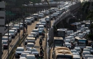 Mobil Pengantin Dirlantas Polda Metro Jaya Kerahkan Tim Urai Untuk Atasi Kemacetan Jakarta
