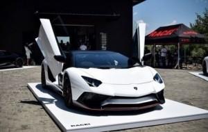 Mobil Pengantin Mengapa Lamborghini Menggunakan Pintu Gunting?