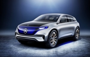 Mobil Pengantin Mercedes-Benz Nekat Bedah Tesla Model X Pinjaman