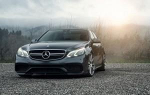 Mobil Pengantin Mercedes-AMG E63 dan E63 S Bikin Merinding BMW M5