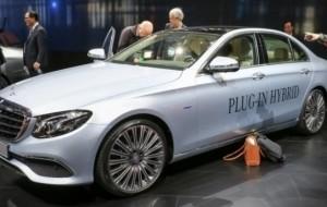 Mobil Pengantin Lihat Peluang Mercedes-Benz Rakit E Class Hybrid di Indonesia