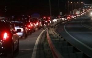 Mobil Pengantin Hindari Berkendara Malam Saat Mudik