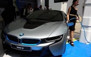 Mobil Pengantin Pertamina dan BMW Garap Teknologi Pengisian Baterai Mobil Listrik