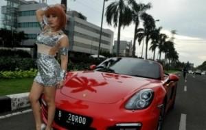 Mobil Pengantin Roro Fitria Akan Jual Mobil Mewahnya Karena Kasus Narkoba?