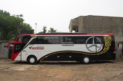 sewa bus pariwisata besar