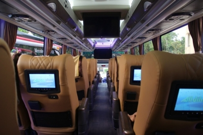 luxury bus jakarta