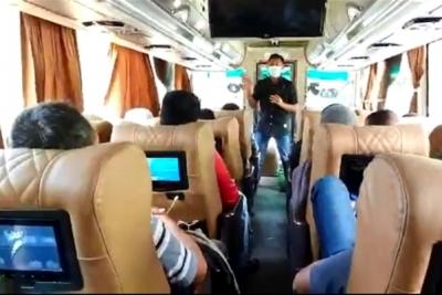 bus tangerang pariaman