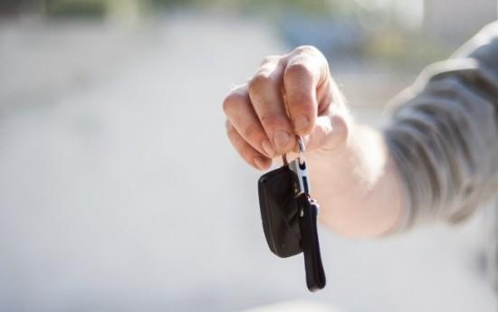 Sewa Syarat-Syarat dan Kelebihan Menyewa Mobil Lepas Kunci