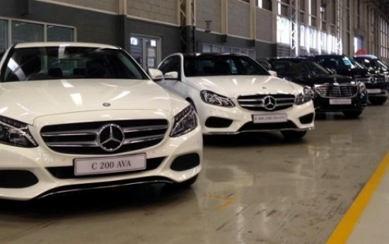 Sewa Penjualan Tiga Merek Mobil Mewah Tumbuh