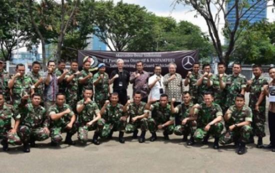 Sewa Pasukan Paspampres Belajar Kemudikan Mercedes-Benz