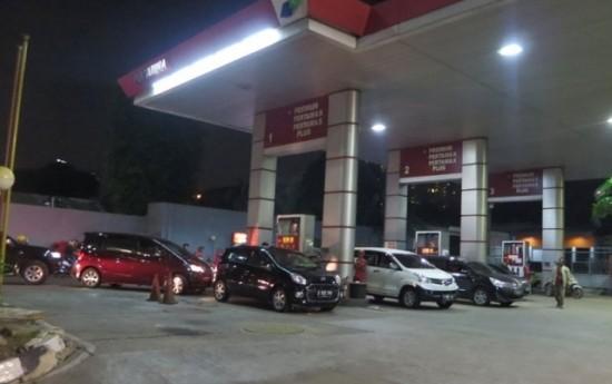 Sewa Per 1 April 2016, Premium dan Solar Makin Murah Rp 500/liter