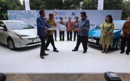 Sewa Toyota Siap Produksi Kendaraan Listrik di Indonesia