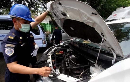 Sewa Sebanyak 250 Taksi Online Tidak Lulus Uji KIR