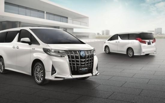 Sewa Akan Punya Versi baru, Toyota Alphard Diobral