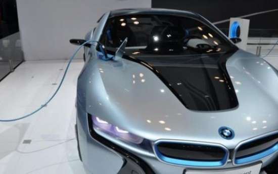 Sewa Tindaklanjuti Instruksi Presiden, Menteri ESDM Bakal Jual Baterai Untuk Mobil Listrik di SPBU