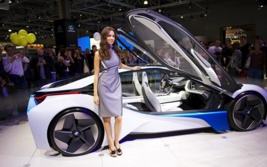 Sewa BMW VISION NEXT 100 Adalah Visi Masa Depan BMW Group