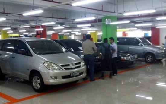 """Sewa Jelang Lebaran 2016, Bisnis Mobil Bekas Ikut """"Puasa"""""""