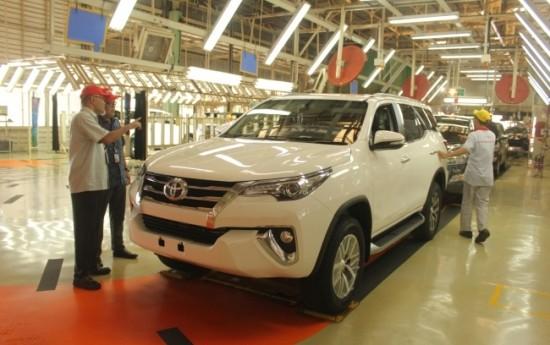 Sewa Fortuner Masih Tulang Punggung Ekspor Toyota Indonesia