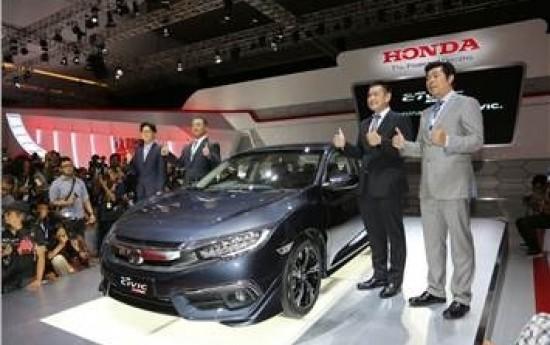 Sewa All-New Honda Civic Turbo Jadi Mobil Terbaik di IIMS 2016