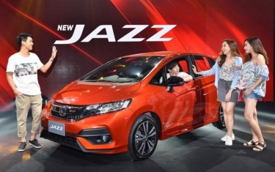 Sewa Misi Honda Jazz Facelift: Makin Unggul dari Toyota Yaris