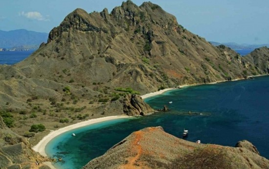 Sewa Paket wisata Labuan Bajo : 7 Destinasi Wisata yang Wajib Anda Kunjungi