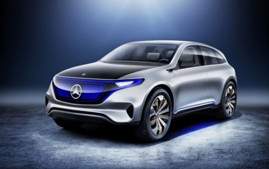 Sewa Mercedes-Benz Nekat Bedah Tesla Model X Pinjaman