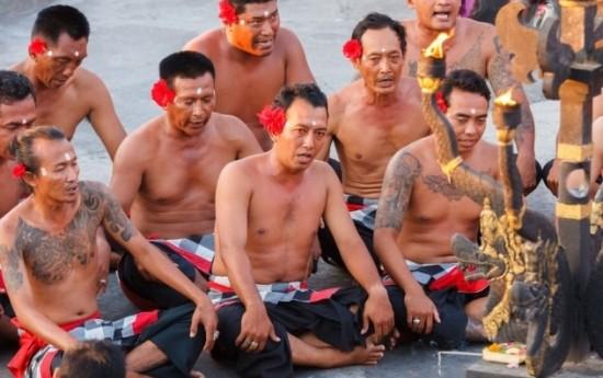 Sewa Destinasi di Paket Wisata Overland Bali-Jogja dari SEMBODO RENTCAR