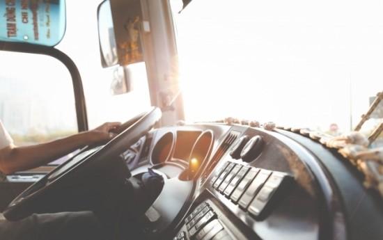 Sewa Keuntungan Menggunakan Layanan Rental Mobil Dengan Driver
