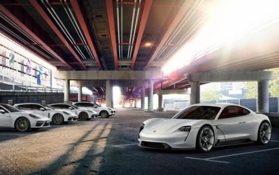 Sewa Porsche Mission E Diberi Nama Dagang Taycan