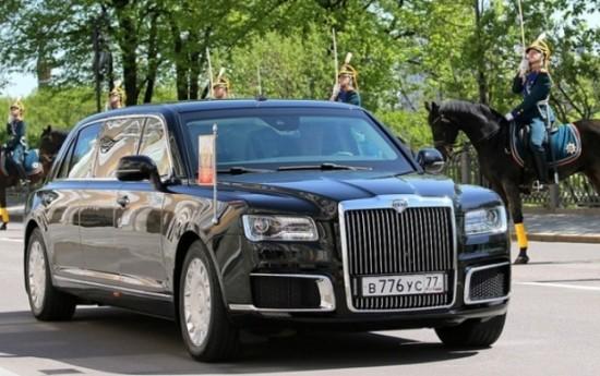 Sewa Putin Pamer Kehebatan Mobil Kepresidenannya ke Presiden Mesir