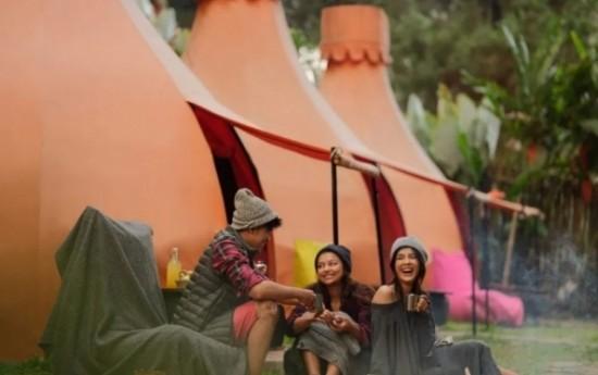 Sewa 5 Rekomendasi Glamping Terbaik Jawa Barat, Pilih Yang Mana?