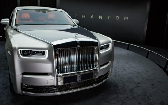 Sewa Rolls-Royce Buka Selubung Phantom Generasi Kedelapan