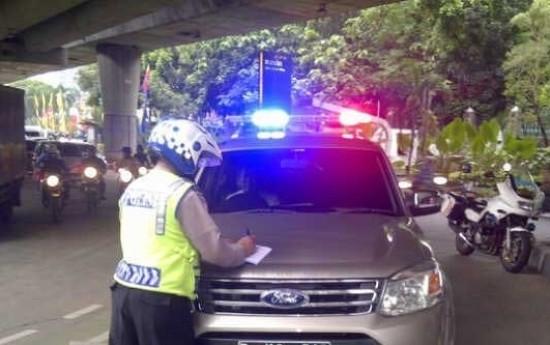 Sewa Asal Pasang Rotator, Mobil Anda Akan Ditahan