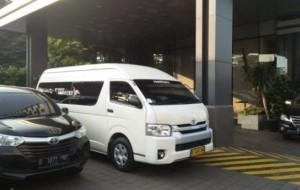 Mobil Pengantin Mengapa Anda Harus Sewa Hiace Luxury di Sembodo ?