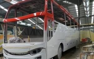 Mobil Pengantin Karoseri Adiputro Dibalik Bus Pariwisata Eksekutif Sembodo