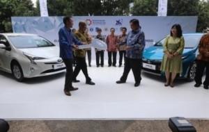 Mobil Pengantin Toyota Siap Produksi Kendaraan Listrik di Indonesia