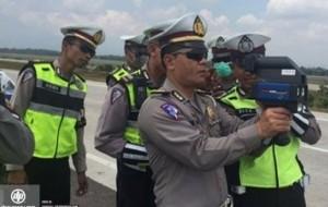 """Mobil Pengantin Satlantas Majalengka akan """"Tembak"""" Supir Ngebut di Cipali"""