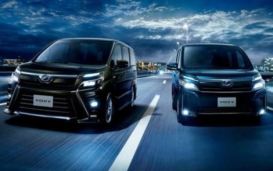 Sewa Toyota Voxy 2017 Sudah Mendarat Di Indonesia Dari Jepang