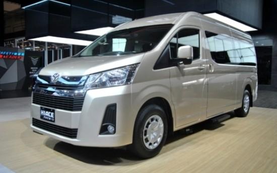 Sewa Toyota HiAce Premio, Minibus Modern Dengan Fitur Keamanan Terlengkap